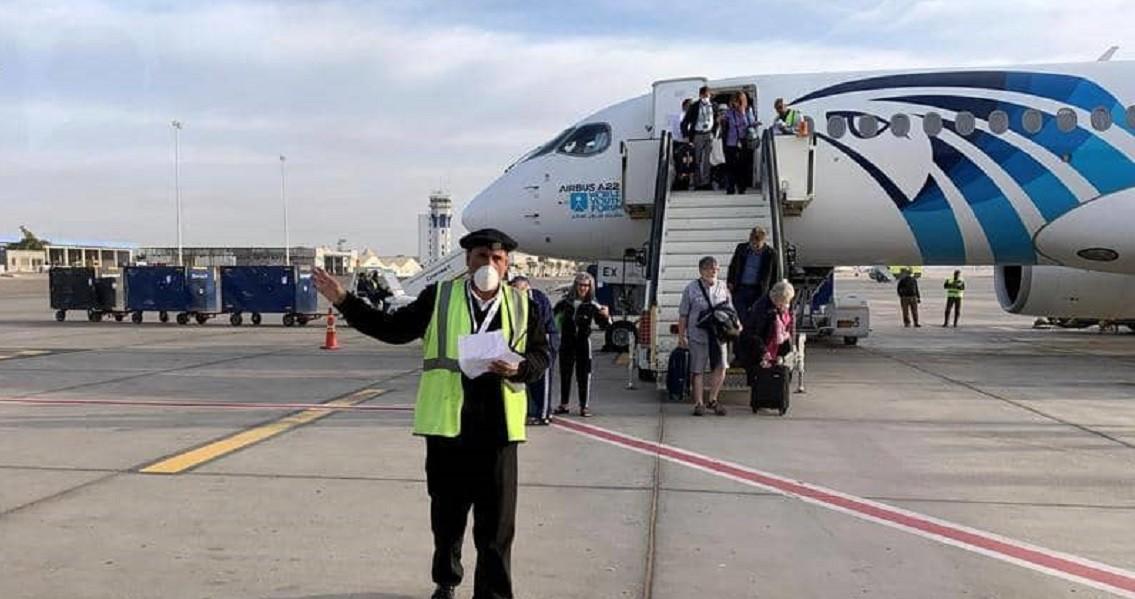 1 1332184 - مطار القاهرة يستقبل 310 مصريا من العالقين بالسعودية