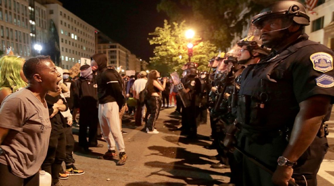 19 2020 637265120370669811 66 1140x635 - اعتقال نحو 1400 شخص في 17 مدينة أمريكية خلال الاحتجاجات على وفاة جورج فلويد