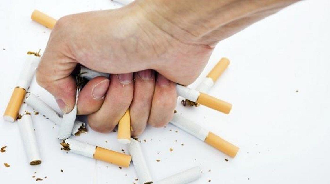 """93 060000 smoking cigarettes 700x400 1140x635 - """"مجلة عود"""" تقدم لك نصائح تساعدك على الإقلاع عن التدخين في شهر رمضان"""