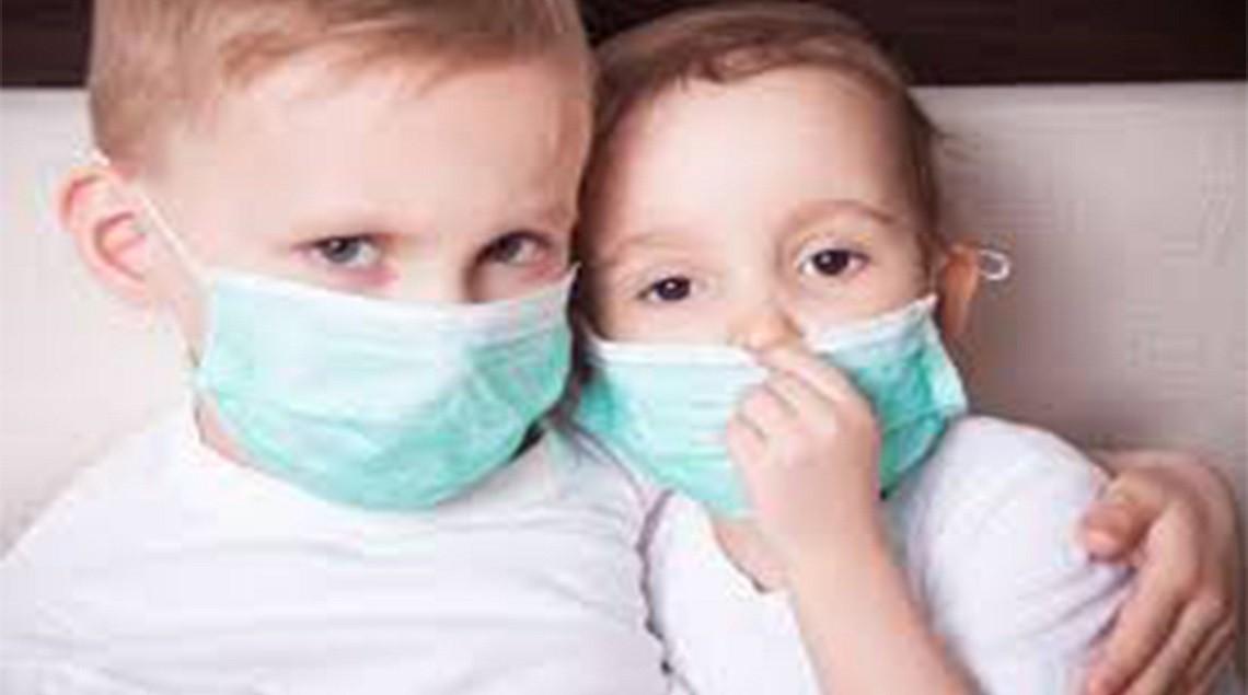 مهمة بشأن ارتداء الكمامات للأطفال - بالفيديو.. تعرف على الطريقة الصحيحة لارتداء الكمامة للأطفال وفقا لمنظمة الصحة العالمية