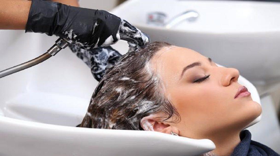 2016 636171370671702576 170 608x403 1140x635 - تعرفي علي أضرار غسل الشعر باستمرار
