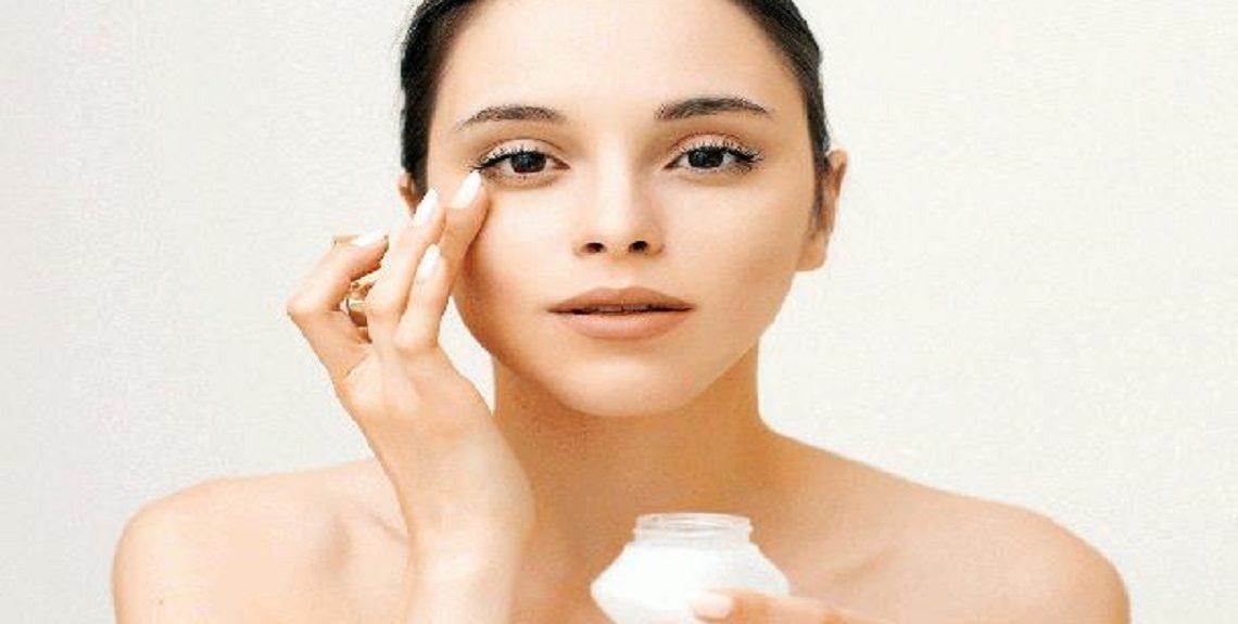 2019 636958825265222556 522 608x403 1140x575 - أبرز الأخطاء التي تقع فيها المرأة عند وضع مرطب الوجه