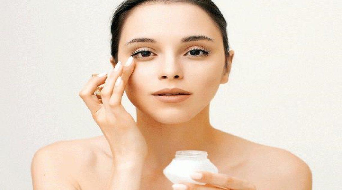 2019 636958825265222556 522 608x403 1140x635 - أبرز الأخطاء التي تقع فيها المرأة عند وضع مرطب الوجه