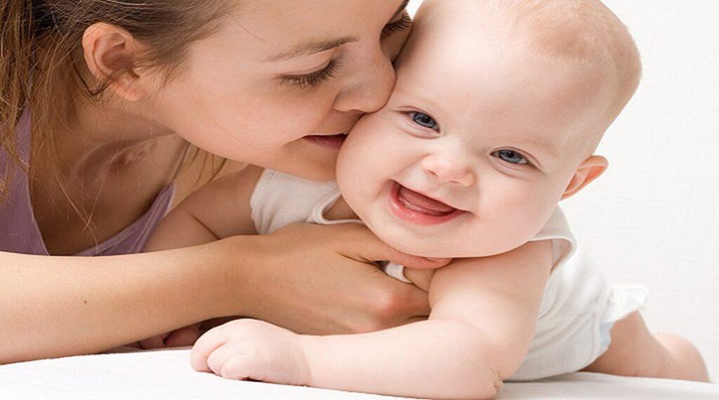 1298178 1024x570 - بالفيديو.. هاني عصام يقدم نصائح للأمهات للتعامل مع ارتفاع درجة حرارة الطفل