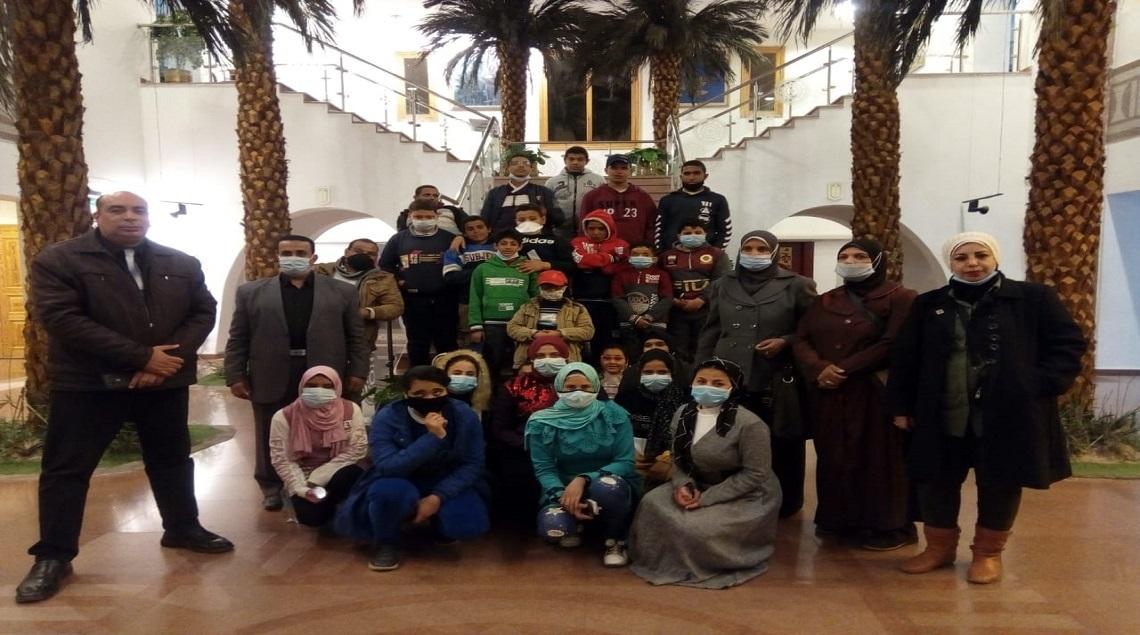 """e474308d 2c4f 4a57 8729 d3652ae273f0 - """"السياحة والآثار"""" تنظم رحلة توعوية للطلاب ذوي الهمم من إحدى المدارس بمحافظة سوهاج"""