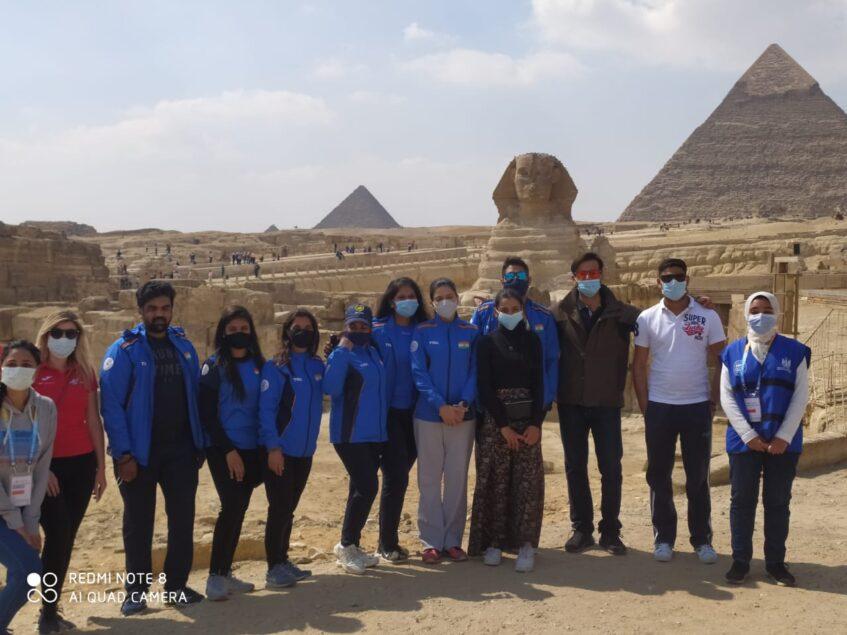 f7e8a74b 943e 4c0a b5f5 af0d1f8be121 847x635 - رئيس الاتحاد الدولي للرماية يزور منطقة آثار الهرم
