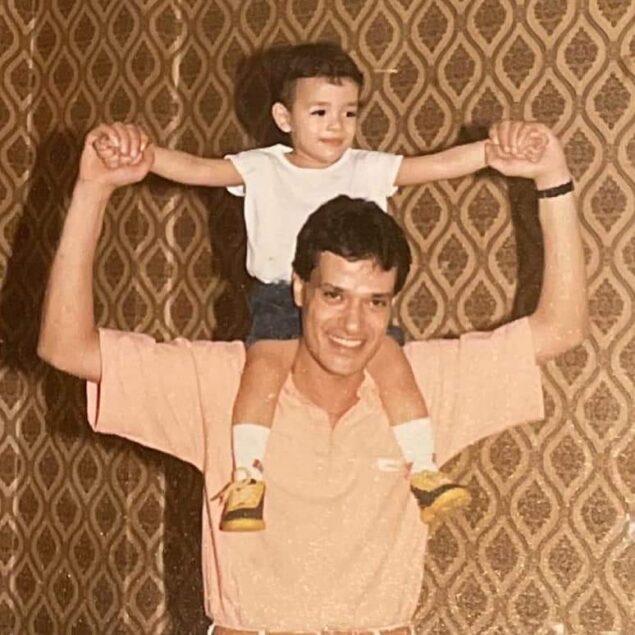 """يسري ووالده 635x635 - محمد إبراهيم يسري لوالده في ذكرى ميلاده:""""الوقت ما بيعديش ياهيما"""""""