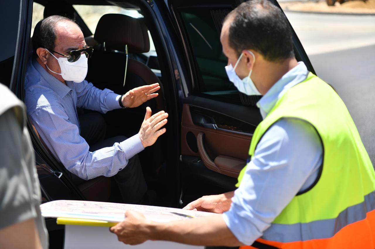 a037ea2b fb1d 4cdc 86ec d6bdd6f8c494 - الرئيس السيسي يتفقد الأعمال الإنشائية لتطوير عدد من الطرق والمحاور والكباري بمنطقة شرق القاهرة