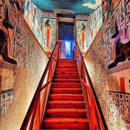 172005685 3841390325943642 7135631845944948719 n - تعتبر من أجمل مقابر وادي الملكات.. اليك أبرز 5 معلومات عن مقبرة الملكة نفرتاري