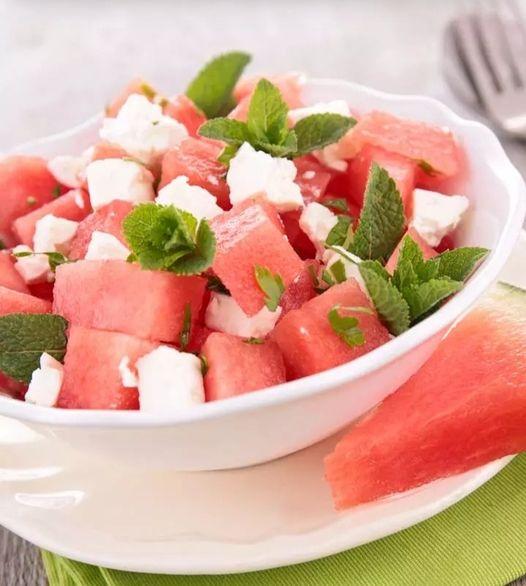 205502607 202952885073264 323440526668556011 n - تعرفي على فوائد تناول البطيخ أثناء الحمل