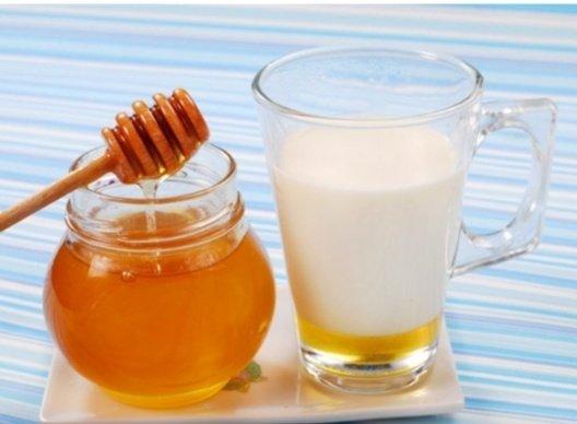 """210103068 207832174585335 8437023211606573695 n - """"كوب حليب مع العسل"""" .. يحميك من هذا المرض"""