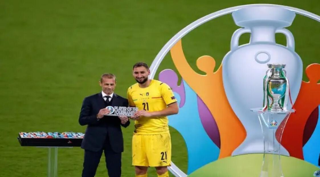 53323D25 E105 44C2 8FAA 78EFAB56AFCB - حارس مرمي المنتخب الإيطالي يحصد جائزة أفضل لاعب فى يورو 2020